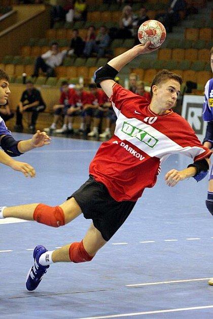 Mladí házenkáři Baníku si doma poradili se svým rivalem ze Zubří.