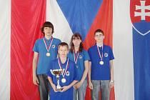 Vítězné družstvo Orlové. Zleva L. Mrázek, K. Olšarová, M. Kawulok a J. Novák ml.