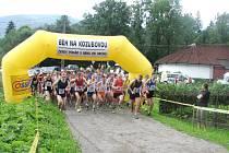 Start hlavní kategorie mužů Běhu na Kozubovou.