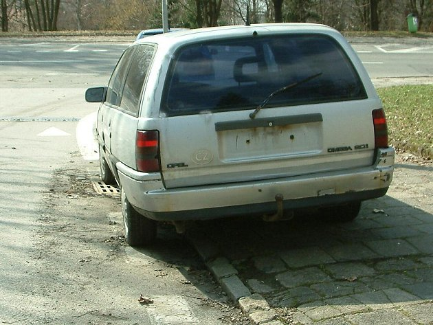 Vozidlo bez registračních značek