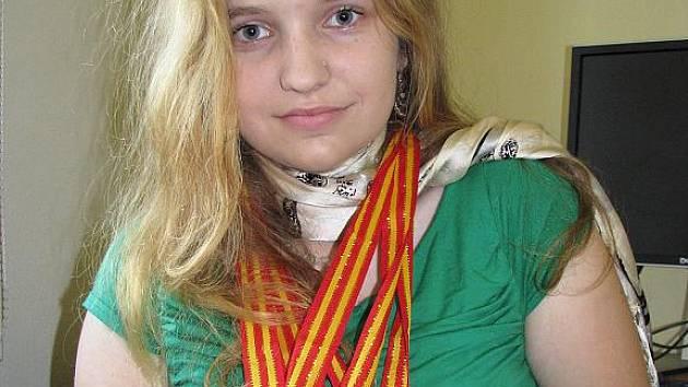 Karin Cieslarová přivezla medaile z mistrovství světa v psaní na klávesnici z Pekingu.