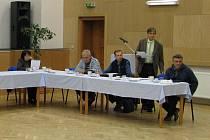Vládnoucí většinová koalice v Těrlicku ignorovala zasedání, které starostka musela nechat svolat na žádost opozice.