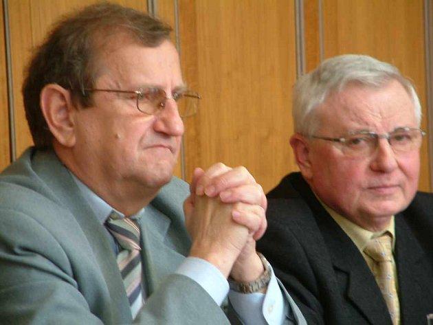 Ekonomický náměstek primátora Eduard Hezcko (vlevo).
