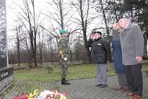 Uctění památky válečných veteránů u památníku v Havířově