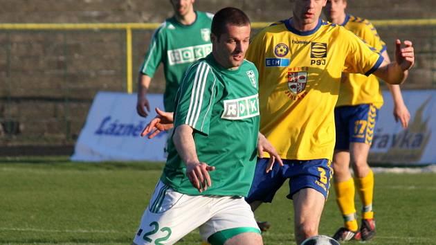 O víkendu se hraje hlavně fotbal.