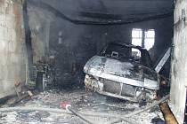 Požár garáže v Orlové.