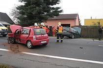 Nehoda tří vozidel v Petřvaldě
