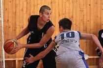 Mladí basketbalisté Sokola bodují.