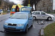 Nehoda auta s cyklistkou v Havířově