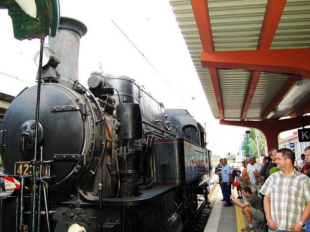 Oslavy města Karviná se konaly na několika místech. V sobotu ráno využily děti i dospělí jízdu historickým vlakem.