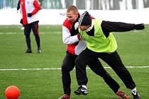 Fotbalisty Petrovic v zimní přípravě zdobila slušná obrana.