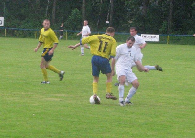 Fotbalový turnaj k 75 letům výročí svého vzniku pořádal Sokol Dolní Lutyně.