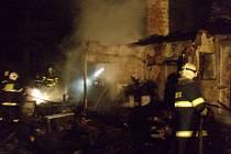 Požár myslivecké chaty v Šenově
