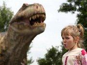 Třicetimetrový Seismosaurus v doubravském Dinoparku