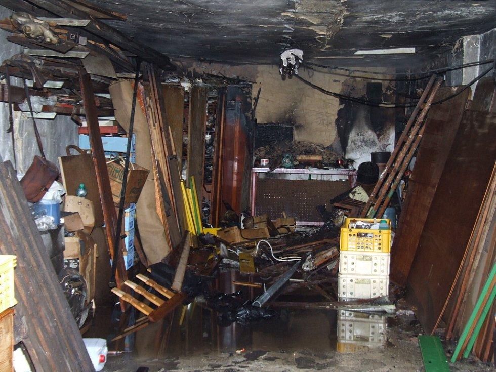 Požár garáže na ulici U Stromovky v Havířově