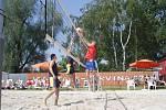 Městský turnaj v plážovém volejbalu se stal nakonec kořistí Stanislava Koupila a Tomáše Rusiny.