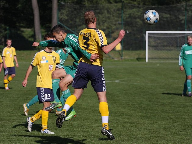 Fotbaloví dorostenci MFK OKD (v zeleném) válčí v MS lize.