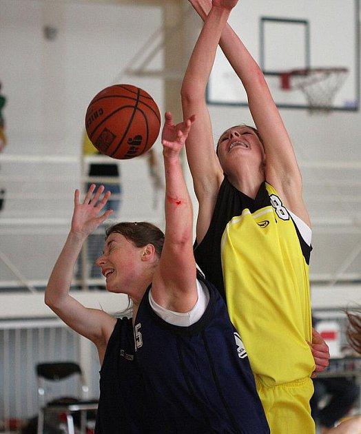Orlovské basketbalistky zahájily sezonu dvěma zápasy v Havířově.