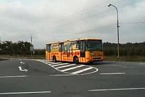 Dopravní značení nerespektují ani řidiči autobusů
