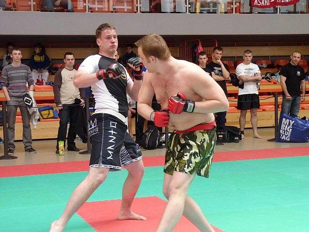 Jan Vicherek (vpravo) ve svém finálovém duelu.