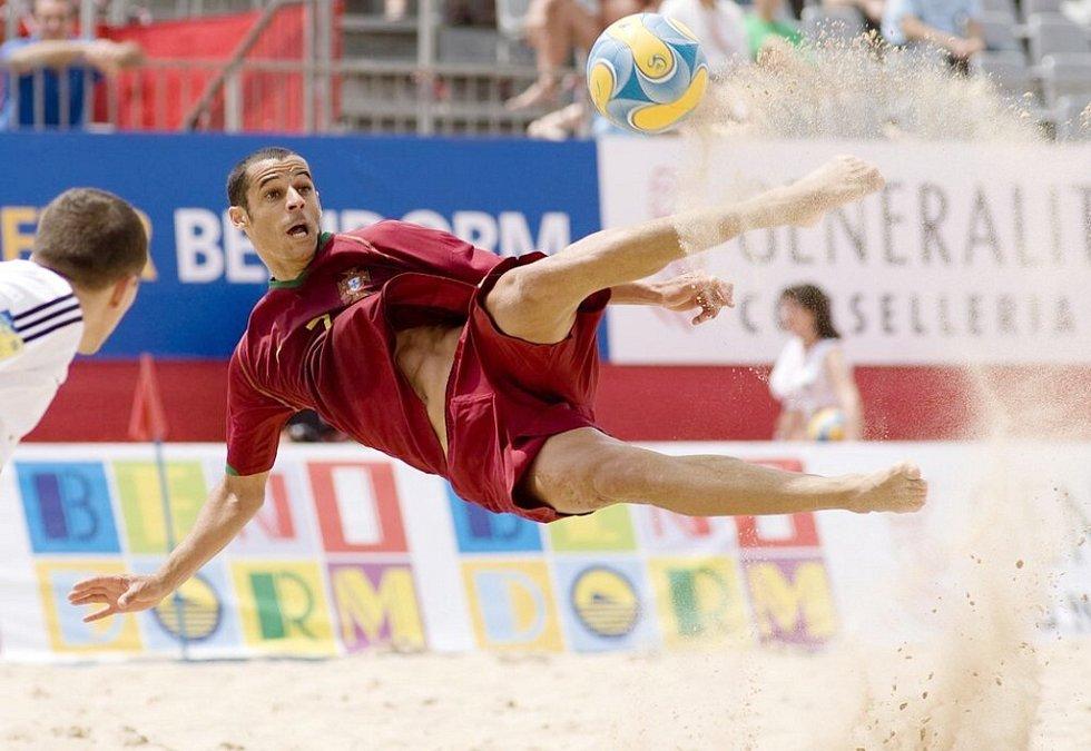 Portugalec Madjer v akci