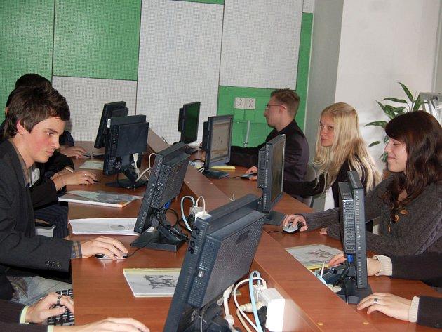 Studenti v nové učebně získají mnohem více praktických zkušeností.