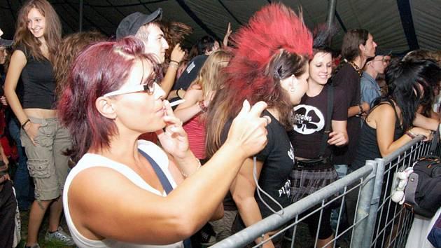 Záběry z karvinského hudebního multižánrového festivalu Dokořán