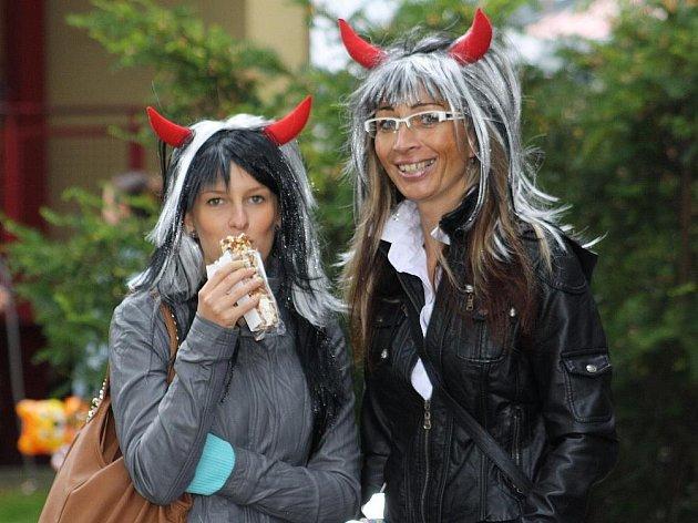 Ve Stonavě se v neděli konala tradiční pouť, na kterou se sjely tisíce lidí z širokého okolí.