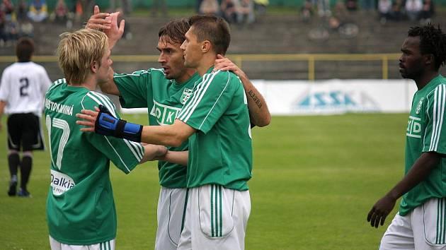 Takhle se fotbalisté MFK OKD Karviná radovali po závěrečném kole loňského ročníku druhé ligy. Budou podobné pocity zažívat také po úvodním kole ročníku nového?