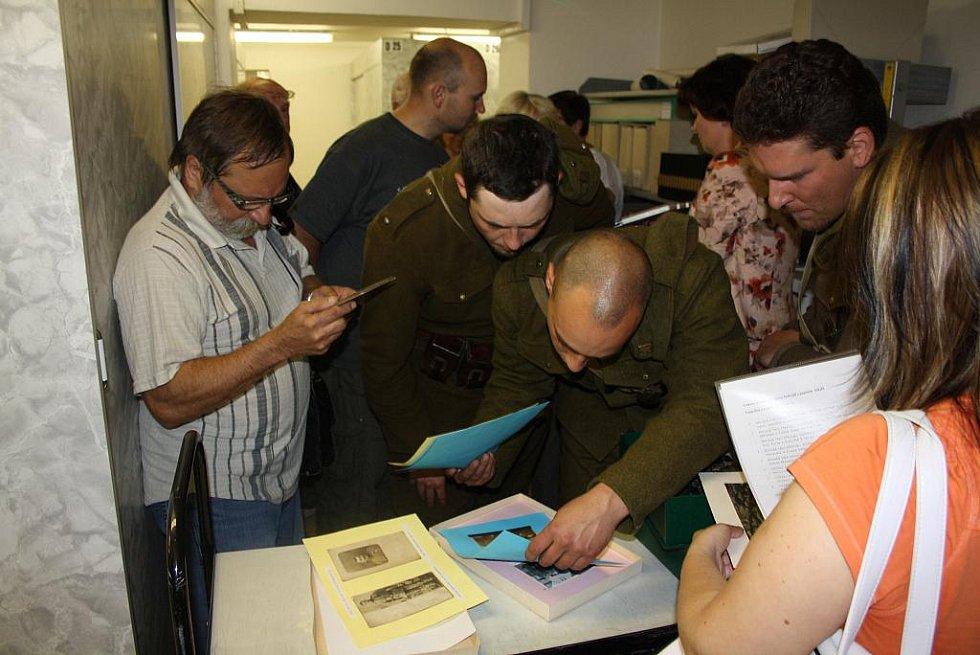 V karvinském státním archivu si lidé mohli prohlédnout zázemí a seznámit se s prací archivářů