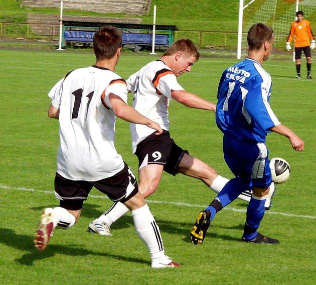 Orlovští fotbalisté si přivezli tři body z Brumova.