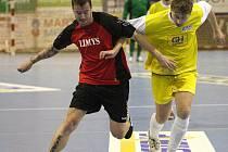 Finiš Karvinské futsalové ligy se již obejde bez Jana Laštůvky (vlevo) a jeho týmu Limys.