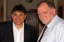 Na snímku Petr Kellovský (vlevo) se svým obhájcem Tomášem Sokolem během procesu u Krajského soudu v Ostravě.