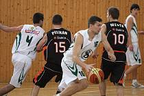 Basketbalové týmy Sokola jsou v polovině základních částí.