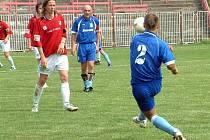 Fotbalisté MFK Havířov (červené dresy) si poradili v poslední přpravě s polskou Osvětimí, kterou zdolali v poměru 2:1.