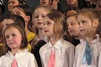 Závěrečné vystoupení všech dětských pěveckých sborů.