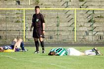 """Ještě dva týdny a pak si dají fotbalisté ve všech soutěžích """"leháro"""", jako na tomto snímku."""