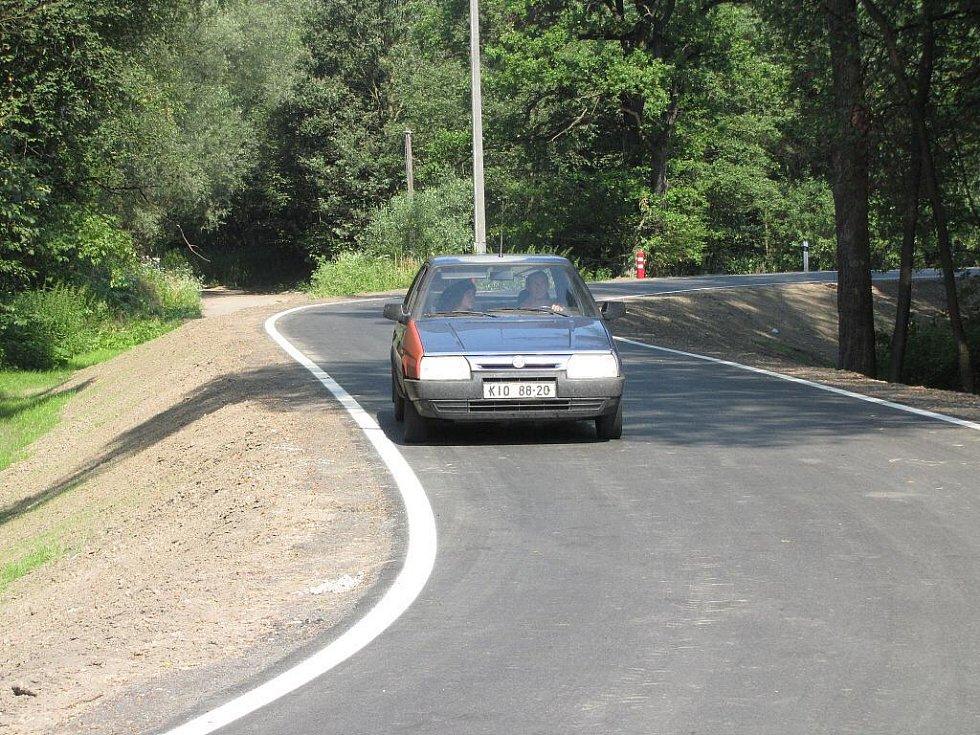 Silnice na protipovodňovém valu už je průjezdná