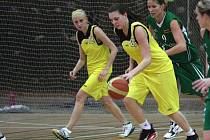 Košíkářky Orlové hrají v posledních zápasech výtečně a drží naději na play off.