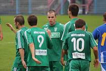 Karvinští fotbalisté se radují z postupu do druhého kola Ondrášovka Cupu.