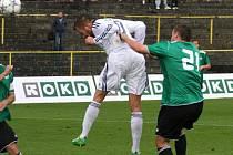 Vladan Milosavljev právě dává svůj druhý gól hlavou v životě.
