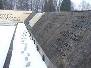 Památník polským obětem válečného konfliktu o území Těšínska v Orlové