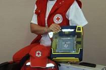 Záchranáři ČČK z Karviné mají nový přístroj, pomocí něhož mohou zachránit lidský život.