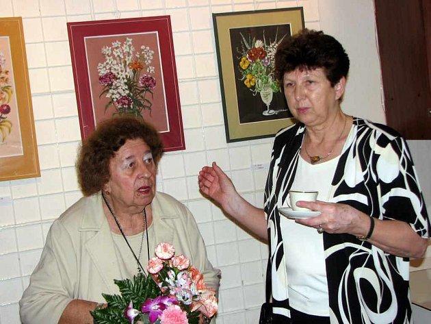 Zoja Wallerová představila své obrazy s motivem květin.