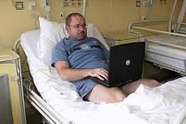 Pacienti mohou využívat internet po wifi signálu. Ilustrační snímek.