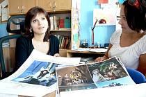 Českotěšínská obecně prospěšná společnost Pygmalion zorganizovala nafocení kalendáře se známými osobnostmi