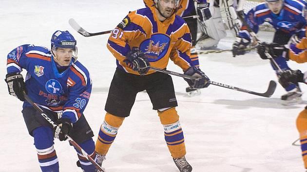 Navštívit lze třeba v úterý zimní stadion v Orlové, kde domácí hokejisté hrají finále play off II. ligy.