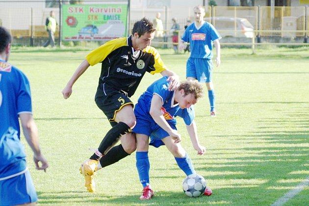 Českotěšínští fotbalisté nezvládají psychický tlak z možnosti návratu do divize.