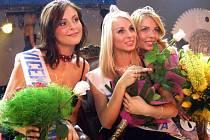 Titul Miss Reneta 2007 získala sedmnáctiletá Lucia Peštová ze Žiliny (uprostřed). První vicemiss je Monika Vaculíková z Bruntálu (vpravo) a druhou vicemiss Barbora Záňová z Chrudimi.