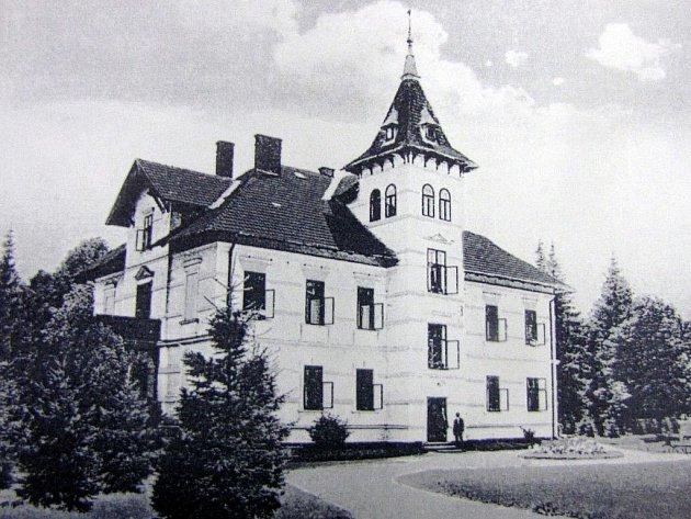 Vila Henrietta na dobové fotce.